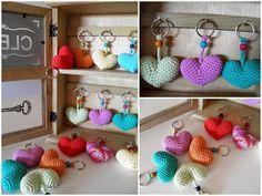 Keychains to crochet amigurumi Crochet Mandala, Crochet Poncho, Knit Or Crochet, Crochet Gifts, Crochet Flowers, Crochet Baby, Crochet Letters Pattern, Crochet Blanket Patterns, Crochet Stitches Chart