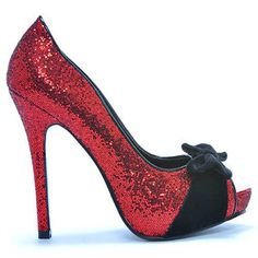Oh wow!! Talk about a shoe to strut in. I love shoes that make the drag queens drool.