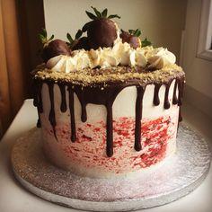 Drip cake Drip Cakes, Birthday Cake, Desserts, Food, Tailgate Desserts, Deserts, Birthday Cakes, Essen, Postres