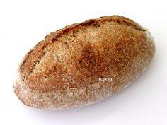 Zelf stokbrood of pistoletjes maken is helemaal niet moeilijk. Als jij deze broodjes hebt gegeten, wil je nog meer broodjes bakken. In dit artikel vind je het recept, zodat je zelf pistolets of stokbroodjes kunt bakken met pure ingrediënten. Cooking Bread, Paleo Bread, Bread Baking, Bread Recipes, Piece Of Bread, Bread Rolls, Scones, Granola, Sandwiches