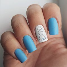 Domi Králiková (@domi_nailart) #easter is coming🐇🐥 so #nails with #easterdesign are totally needed💅 i chose to make #simplenails 😊 #nailart #nailartclub #bunny #nailartideas #bluenails #easternails #easternailart #mattenails #nailz