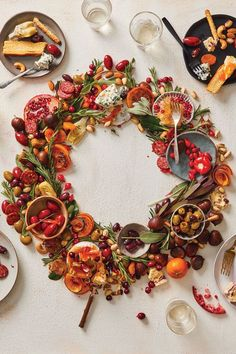 Mediterranean-inspired centerpiece loaded with everything they love. This antipasto wreath redefines holiday entertaining. Olive Recipes, Dinner Party Menu, Pitted Olives, Party Trays, Fresh Cranberries, Dried Apricots, Yummy Appetizers, Appetizer Recipes, Holiday Tables