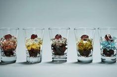 和菓子店「とらや」と高級グラスブランド『バカラ』がコラボレーションしたギフトアイテム「みらいの宝石」が、伊勢丹新宿店の期間限定イベント「みらいの夏ギフト」で販売される。