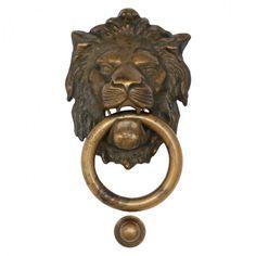 Haustüren Antik gestalten Türklopfer Löwe kaufen als Messingbeschlag für Ihre Türen. Dekorativer Löwenkopf im Antik Stil. Messing Beschläge Türklopfer aus Messing mit Patina