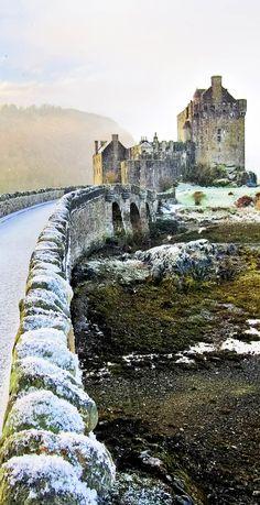 Eilean Donan Castle en hiver. Ecosse | Les 20 châteaux de conte de fées les plus spectaculaires en hiver