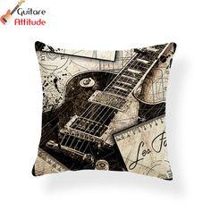 #housse #coussin #guitare #electrique #guitareelectrique Housse de coussin - Guitare électrique Exactement ce qu'il vous faut pour donner une note musicale à votre intérieur!