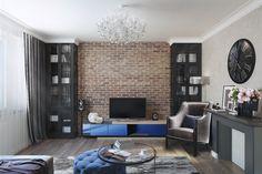 Нейтральная цветовая палитра, классическая мебель и эффектные акценты в стиле лофт – Алена Паутова рискнула совместить два модных направления дизайна в трехкомнатной квартире и не прогадала