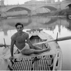 Pier Paolo Pasolini Toti Sciaoja: Pier Paolo Pasolini along the Tiber, Rome Orange Cinema, Cool Pictures, Cool Photos, Amazing Photos, Pier Paolo Pasolini, Maria Callas, Writers And Poets, Book Writer, Playwright