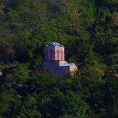 #KosovoinUNESCO Church of Holy Sunday in Prizren was built in 1370/1371 #ig_kosova #kosova #monument #cult #culture