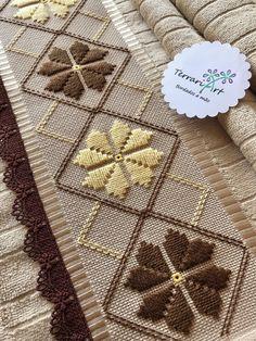 Bargello Needlepoint, Bargello Patterns, Hand Embroidery Design Patterns, Hand Embroidery Videos, Sewing Patterns, Needlepoint Designs, Hardanger Embroidery, Irish Lace, Diy Doll