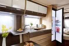 Bürstner Averso   Ab knapp 20.000 Euro geibt es den Wohnwagen Averso. Für das Modelljahr 2017 wurde er komplett nue entwickelt. Beeindruckend ist die Vielfalt der möglichen Grundrisse: Elf bietet Bürstner an.