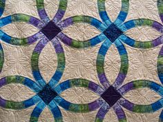 Finely Finished Quilts: Kelsi's Double Wedding Ring Quilt