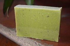 Cómo hacer jabón casero sin Sosa Diy Soap And Shampoo, Limpieza Natural, Soap Recipes, Home Made Soap, Natural Cosmetics, Handmade Soaps, Diy Projects To Try, Soap Making, Diy Beauty