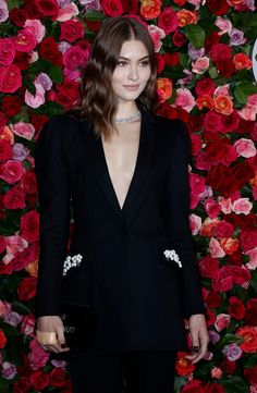 At the Tony Awards Kerry Washington stunned in plunging Versace and sleek hair, while Condola Rashad's dramatic gown matched her voluminous curls. Bella Hadid Style, Grace Elizabeth, Guess Girl, Sleek Hairstyles, Victoria Secret Fashion Show, Woman Face, Celebrity Style, Awards, Dress Up