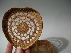 Hey, I found this really awesome Etsy listing at https://www.etsy.com/ru/listing/90175322/vintage-woven-wooden-heart-trinket-woven