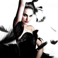 The Black Swan - Natalie Portman. The Black Swan, Black Swan Movie, Black White, Natalie Portman Black Swan, Nathalie Portman, Beautiful People, Beautiful Women, Look Dark, Mode Glamour