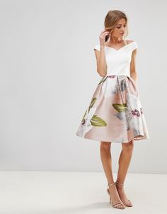 1004f75fc19 20 Gorgeous Looks for Summer Wedding Guests