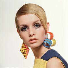 Twiggy - Considerada uma das primeiras supermodelos do mundo, ícone de estilo 60s