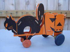 Vintage Halloween Fibro Toy Black Cat Jol Lantern Wagon Cart Very Rare Cute Halloween, Holidays Halloween, Halloween Ideas, Halloween Toys, Halloween Pictures, Vintage Halloween Images, Vintage Halloween Decorations, Vintage Toys, Vintage Cat