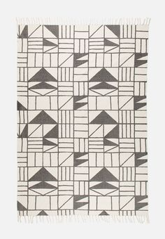 If it ever seems like something is missing when it comes to home decor, you can't go wrong with a rug. This option is made from cotton printed with a unique linework design and a colour scheme that makes it easy to style. Something Is Missing, Color Schemes, Things To Come, Concept, Quilts, Blanket, Rugs, Sd, Unique