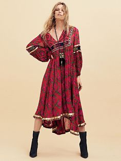 Bold Blooms Embroidered Dress at Free People Clothing Boutique Hippy Chic, Boho Chic, Bohemian Mode, Bohemian Style, Estilo Hippie, Tribal Dress, Red Boho Dress, Tribal Maxi, Free People Clothing