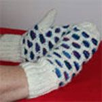 hand knit ladies bubble mitts keep warm and look great, can be made for children. Mittens Pattern, Keep Warm, Waffle, Hand Knitting, Free Pattern, Knitting Patterns, Knit Crochet, Bubbles, Gloves