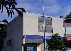 Mais imagens: http://www.medium.pt/pt/detalhe.htm?rid=5038305 Escritório em Joane composto por duas salas, sendo uma delas com acesso ao terraço. Dado se tratar de um imóvel de banco, oferece condições muito vantajosas de financiamento!