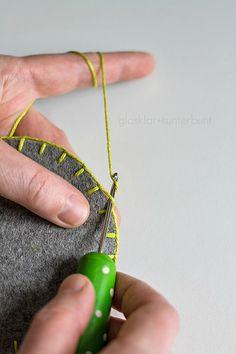 glasklar & kunterbunt: Häkelborte - Tutorial Crochet Potholders, Crochet Quilt, Crochet Doilies, Crochet Yarn, Crochet Stitches, Crochet Patterns, Yarn Crafts, Felt Crafts, Crochet Decoration
