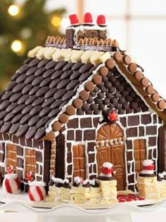 Gingerbread House Tips for Kids - iVillage, love a gingerbread house!