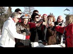 Aldiana Bergwelten  - Cluburlaub Österreich - Dolphin's TV Winter - Unsere Clubs im Herzen des Salzburger Landes gelten wegen ihrer idyllischen Lage und des vielseitigen Sportangebotes seit langem als Geheimtipp unter Freunden. Wenn Sie zwischen Skifahren, Wandern, Golf oder Wildwasser-Rafting mal eine Pause brauchen, lädt das atemberaubende Alpen Panorama auf unserer Sonnenterrasse zum Entspannen ein. Pause, Rafting, Golf, Videos, Ski, Alps, Hiking, Wave, Polo Neck