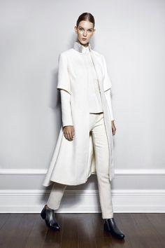 Begüm Baccal Raised Maxi Palto ile tarzını ve şıklığını tamamla, modayı keşfet. Birbirinden güzel Mont & Kaban modelleri Lidyana.com'da!