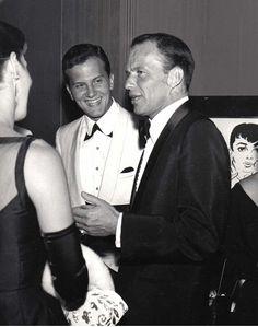 Frank Sinatra with a young Pat Boone. Beautiful Voice, Beautiful Men, Hollywood Stars, Old Hollywood, Pat Boone, Joey Bishop, Humphrey Bogart, Dean Martin, Judy Garland