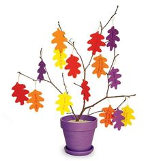 Thankful Tree Thanksgiving Craft- Each leaf has something you are thankful for written on it. How cute is this?! Great for maybe a classroom or at home http://freesamples.us/