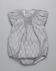 GEOMETRIC STAMP SMOCK ROMPER | Boy-and-Girl | Baby Clothes | Online Shop | Neck