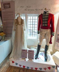 Kate Winslet & Alan Rickman costumes to sense and sensibility Jane Austen Movies, Movie Costumes, Wedding Costumes, Emma Thompson, Helen Mirren, Regency Era, Alan Rickman, Kate Winslet, Film Serie