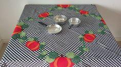 Toalha de mesa Medidas: 1,48 x 1,37 - 100% algodão
