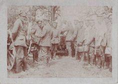 Kleines Privatfoto: Gruppe Soldaten Essensausgabe/Gulaschkanone,  ca 1916 , WK 1