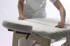 Como escolher uma mesa de massagem | eHow Brasil