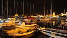 Die Altstadt von Trogir, vom Hafen aus gesehen – Foto: Beate Ziehres