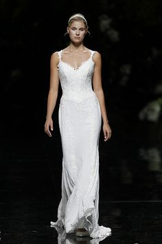 UNIVERSO - Pronovias 2013 Bridal Collection, via Flickr.