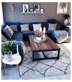 Blue Couch Living Room, Living Room Modern, Living Room Designs, Small Living, Living Room Ideas Grey And Blue, Charcoal Sofa Living Room, Bedroom Couch, Blue Living Room Paint, Living Room Tables