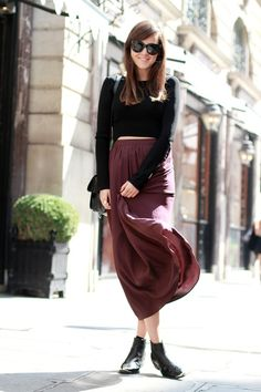 Flowing skirt, black top and ankle boots. Autumn here we come!