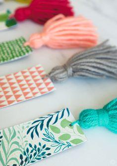 yarn crafts for adults & yarn crafts ; yarn crafts for kids ; yarn crafts for adults ; yarn crafts to sell ; yarn crafts for kids easy Easy Yarn Crafts, Yarn Crafts For Kids, Diy Crafts For Girls, Crafts For Seniors, Mothers Day Crafts For Kids, Diy Mothers Day Gifts, Adult Crafts, Senior Crafts, Craft Kids