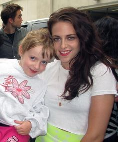 Robsten Dreams: New/Old Picture of Kristen with a fan at ComicCon 2012