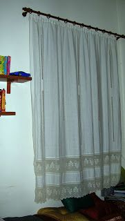IL FILO CHE CREA: marzo 2009 Window Coverings, Window Treatments, Crochet Stitches, Crochet Lace, Crochet Curtains, Stores, Window Curtains, Shabby, Windows