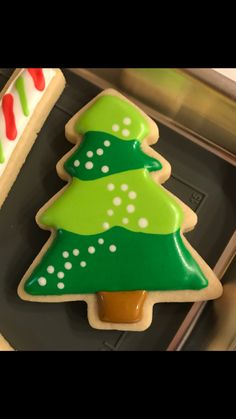 Cookie Decorating, Decorating Ideas, Christmas Tree Cookies, Iced Cookies, Decorated Cookies, Food Food, Tart, Xmas, Party Ideas