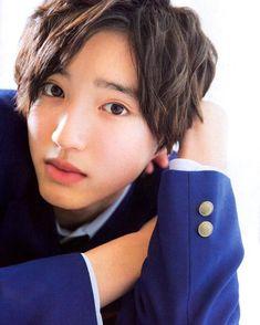 na-oさんはInstagramを利用しています:「2019/05/03 月刊TVfan 俺スカも載ってました🖤💛💗 明智くん😍🖤🖤🖤 . #永瀬廉 #長尾謙杜 #道枝駿佑 #俺のスカートどこ行った #kingandprince #キンプリ #なにわ男子」 Japanese Boy, Nihon, My Crush, Handsome Boys, Crushes, Prince, Actors, Guys, Snowman