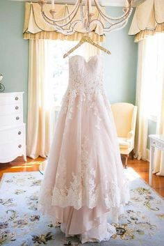 Blush Pink Sweetheart Wedding Gown,Princess Tulle Wedding Dress,Lace Appliqued Brides Dress,