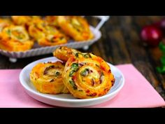 Small In Size, Big In Flavor: Cheese 'n' Bacon Pastry Spirals Recipes Appetizers And Snacks, Finger Food Appetizers, Savory Snacks, Appetizers For Party, Fish Recipes, Finger Foods, Beef Recipes, Whole Food Recipes, Cooking Recipes