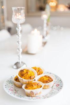 LCHF - Low Carb, Lågkolhydratkost Saffransbullar - glutenfria, lågkolhydrat Low Carb Recipes, Snack Recipes, Lchf, Breakfast Snacks, Eggs, Inspiration, Food, Bujo, Low Carb